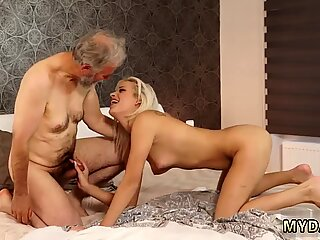 Chineză daddy bărbat păros surpriză your girlcrony and she will nail with your dad